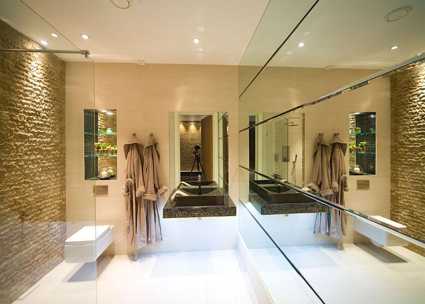 Espelho Metro -> Sala De Jantar Com Espelho Na Parede